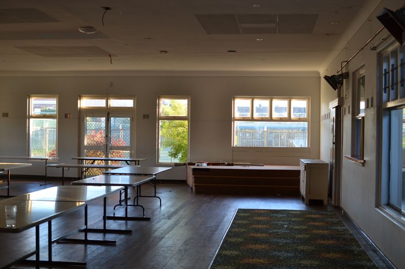 2019-07-12 1701 Fremantle Bowling Club stage.jpg