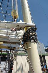 2017-11-04 1403 Leeuwin sail and mast.JPG