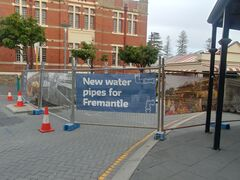 New water pipes for fremantle (sign).jpg